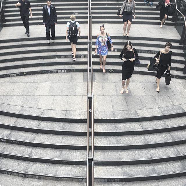 🔁 It's a #race to get home, earlier today. Public holiday #australiaday tomorrow. Jan 25. #sydney #australia #martinplace #streetphotography #streetsofsydney #sydneystreetphotography #urbanscape #urbanphotography #urbanlandscape #sydneyarchitecture #perspectiveporn #fairuzfoto16 #sydneysiders #sydneytoday #humansofsydney #peopleofsydney #architecturalphotography #design