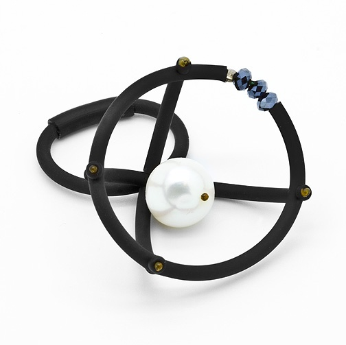 Contemporary stylish jewellery / Ring PEARL DETECTOR from Supermandolini