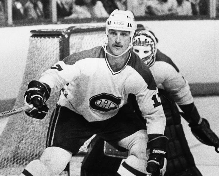 Rod Langway : Repêché en 1977 par les Canadiens et les Bulls de Birmingham simultanément, Langway a tenté sa chance au sein de la Ligue mondiale avant de conclure une entente avec le Tricolore à temps pour le début de la saison 1978-1979. À son année recrue, il a disputé 45 rencontres en saison régulière et 9 autres en séries, au terme desquelles il a vu son nom gravé sur la coupe Stanley. À 6 pieds 3 pouces et 218 livres, Rod Langway a toujours démontré une éthique de travail irréprochable.