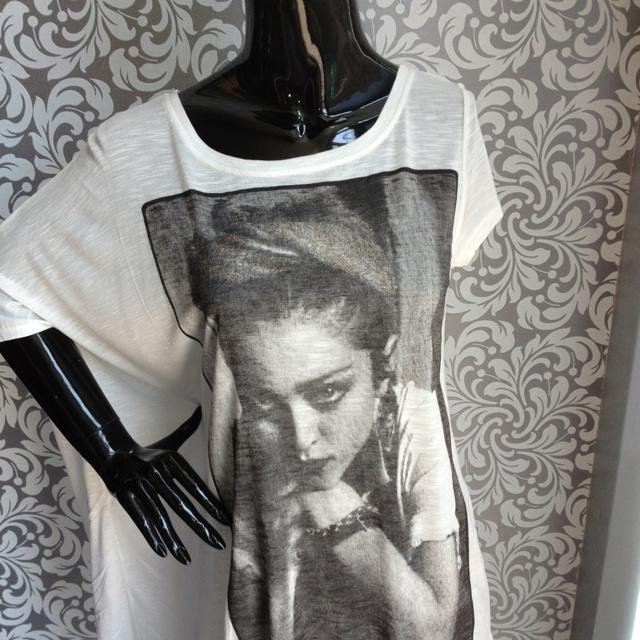 We <3 Madonna ...!!!