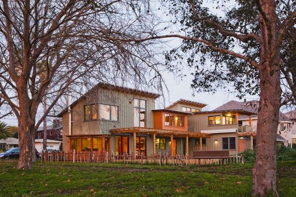 Sustainable straw bale house in Santa Cruz