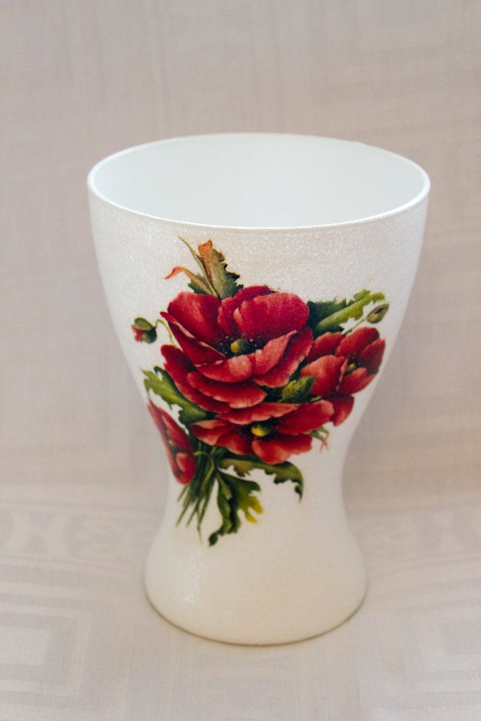 Vase large with poppies