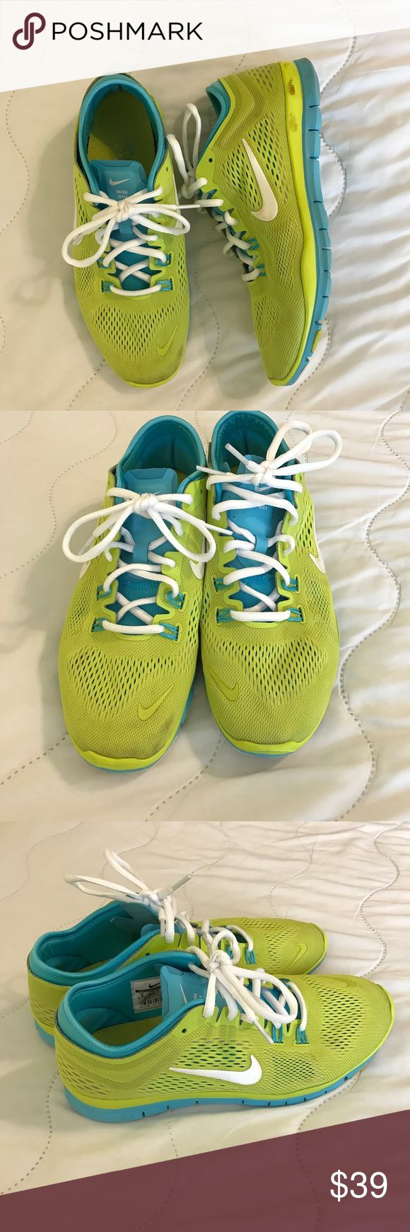Green and teal NIKE shoes size 9 Worn, but still good wearable condition! These are comfortable and make a statement. Can be washed further to clean toes further. Bundle to save ✨✨✨🎉🎉 Nike Shoes Athletic Shoes