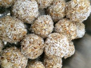 Pear, Apple and Oat Bliss Balls