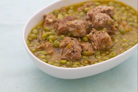 Spezzatino con piselli / Stew with peas - a classic dish of #Italian cuisine (veal, peas, carrot, onion and celery, dry white wine]