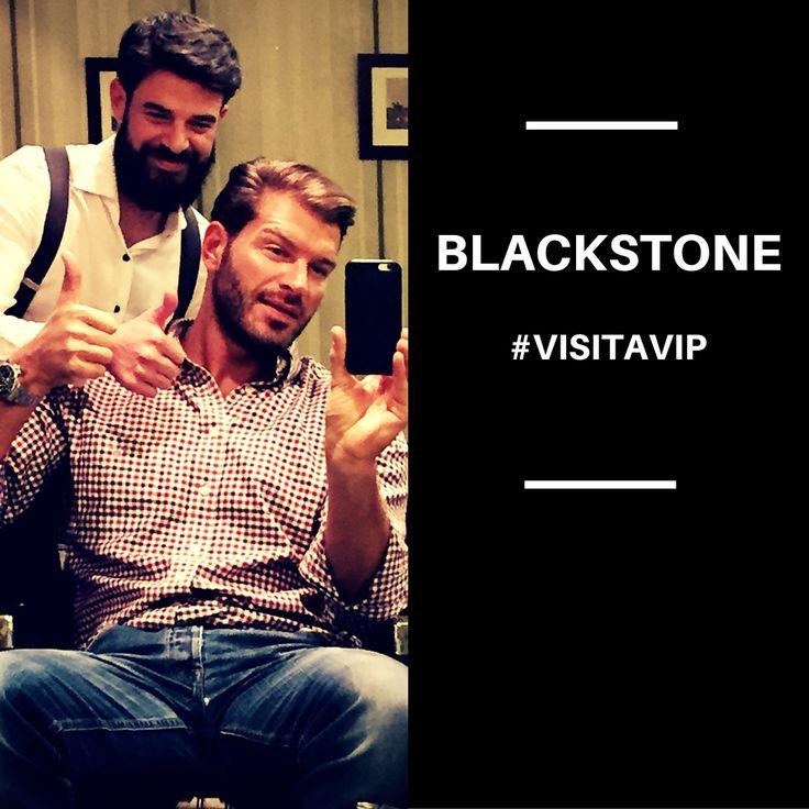 VISITA VIP |¿Queréis saber quien nos ha hecho nuestra primera visita a Blackstone en 2016?> El modelo y amigo Darek, quien una vez más ha confiado en nuestro equipo. #FriendBlackstone #Barbería #Madrid