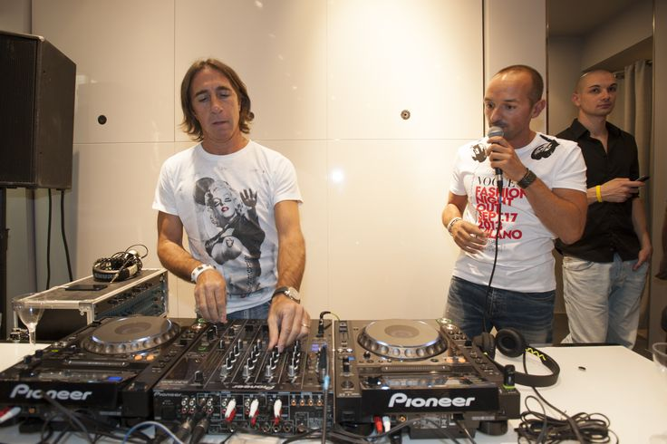 Italian DJs Vic and Fargetta from Radio Deejay remixing the latest hits at the Motivi VFNO2013 party
