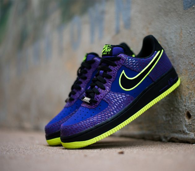 Nike Air Force 1 Low - Court Purple / Black - Volt