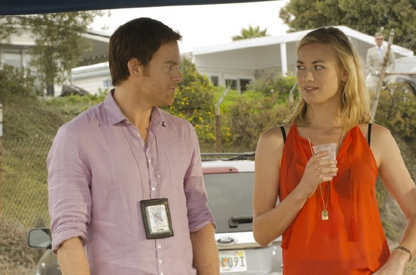 Dexter saison 8: Yvonne Strahovski va reprendre son rôle - TVQC | TVQC