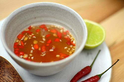 ¿Te gusta la comida thai?. Te recomendamos este delicioso aderezo thai a base de salsa de pescado para ensaladas. Y no te pierdas los platillos recomendados por ESHCOL Fusión Asia Restaurante a Domicilio.