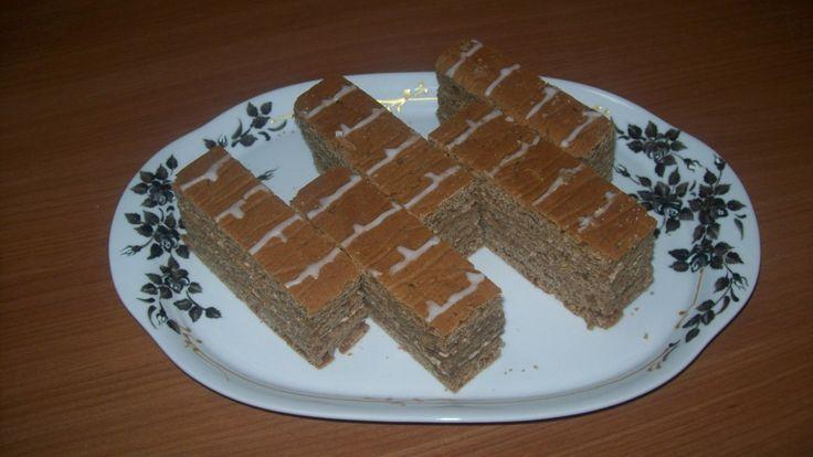 Ingredienti per la brioche: - 200 g di farina manitoba - 130 g di farina ai 5 o 7 cereali o farina integrale o misto di farine che avete in casa - 70 g far
