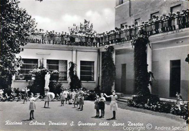 http://www.riccionesocialclub.it/riccione-monamur/la-colonia-ricordi-riccione-anni-70
