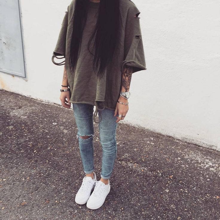 @benitathediva White sneakers with an oversized tshirts. Cute cozy outfits. Tumblr  outfit.