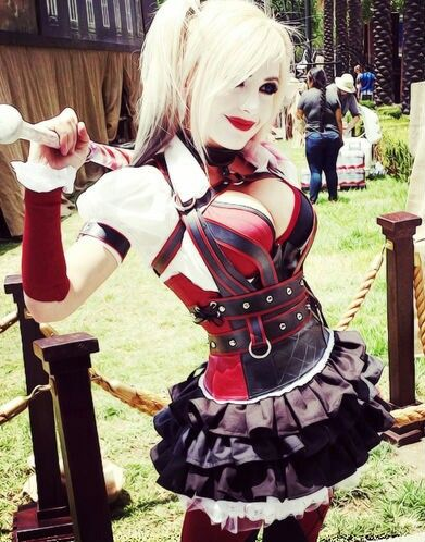 www.casinowars.club  Character: Harley Quinn / From: Warner Bros. Interactive Entertainment's 'Batman: Arkham Knight' Video Game / Cosplayer: Jessica Nigri