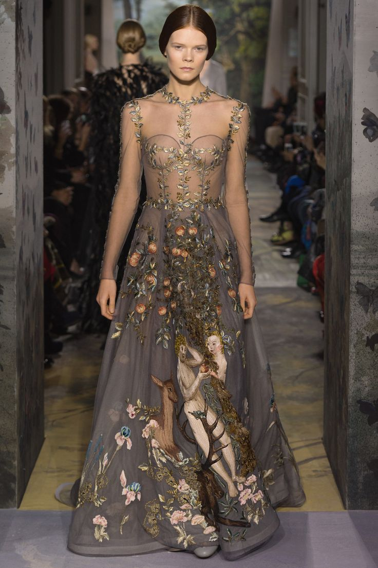 Le jardin d eden zirconium colored tulle dress for Haute renaissance