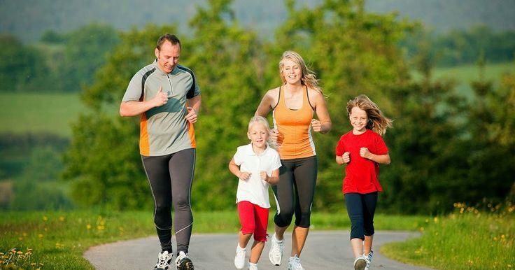 Realizar ejercicio físico es fundamental para mantener un estado de buena salud a cualquier edad. Desde niños es recomendable que se empiecen a practicar deportes y a mantener la actividad física