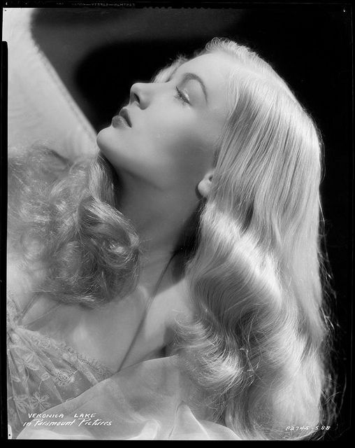 "Eugene Robert Richee. ""Veronica Lake"""