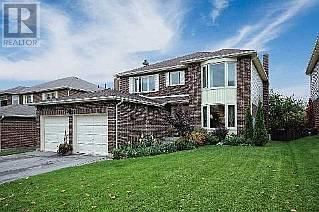 OPEN HOUSE! Sat Nov 1st and Sun Nov 2nd from 2 - 4 pm. Rarely Offered Ravine Lot, A Backyard Oasis. This Beautiful Home Has Been Freshly Painted, 2 Newly Renovated Baths, Gorgeous Hardwood Floors. A Large Eat-In Kitchen Wi/ A Step Down To The Cozy Fam. Room W/ Wood Burning Fireplace. Beautiful Formal Dining, M/F Laundry, Large Living Room W/ French Doors & A Bay Window. New Windows(Most), Great Deck W/ An Above Ground Pool! **** EXTRAS **** This Home Is So Inviting & Warm. You Will Love It!