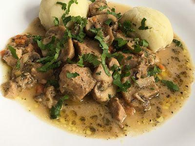 Kuchcik gotuje: Łopatka wieprzowa z pieczarkami