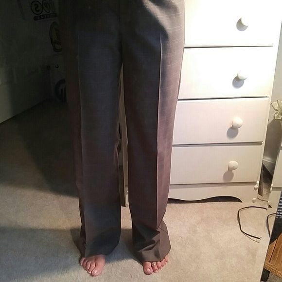 Size 6 Tan career wear pants See pants are in excellent condition with the exception of a tiny spot pictures close up and somewhat noticeable in the picture. I am listing a lot of my office wear because I work from home. I will bundle so take a look at all of my closet items, offers welcome. AB Studio Pants