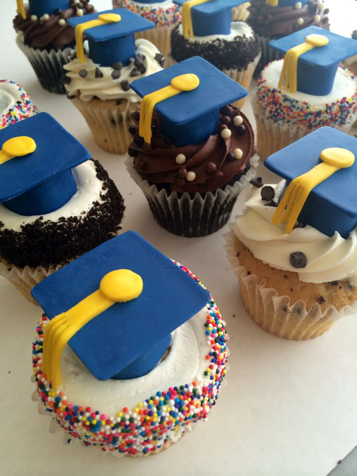 30 best images about Graduation Cakes/Cupcakes on ...