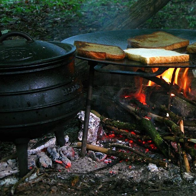 Fried #bread for #bushcraft #breakfast this morning cooked on a #Murrikka on an #campfire...delicious. #bushcraftcourse #Oxford #oxfordshire #wildernesspioneers