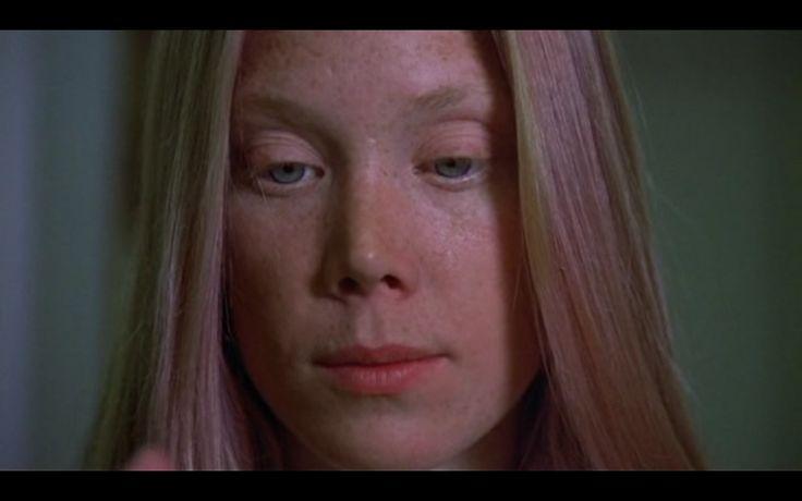 Carrie ( 1976 )