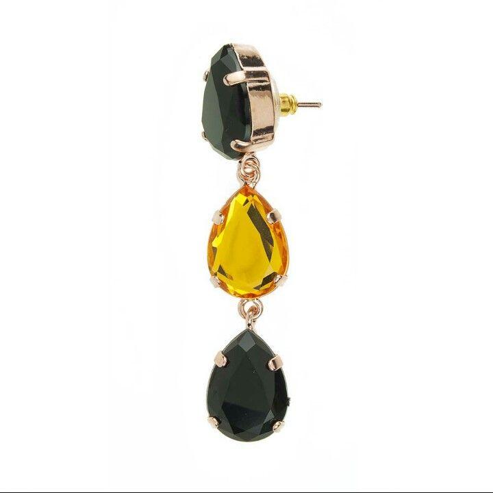 Fantastic  !!!  Tre gocce con colori alternati ...nero giallo nero!!!  Ideale sia per un look semplice sia per uno più strong.