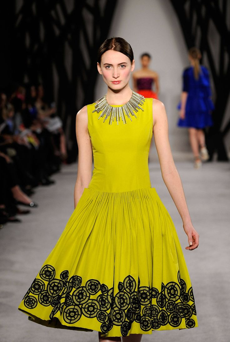 yellow dress fall eyeshado