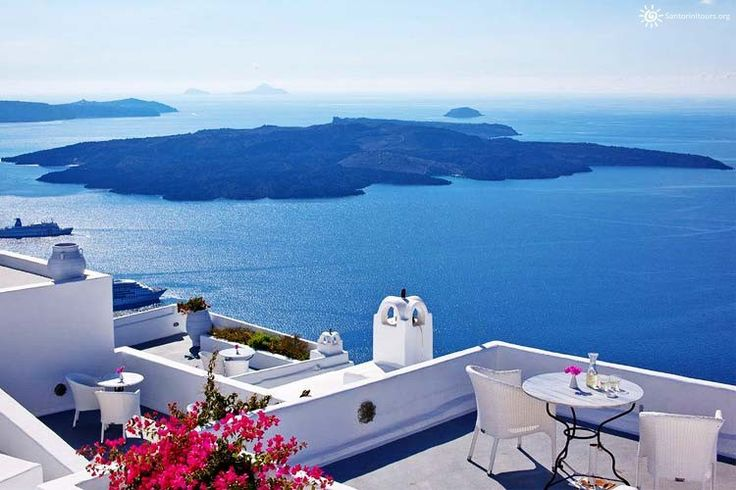 Santorini one of the top 10 island destinations in the world