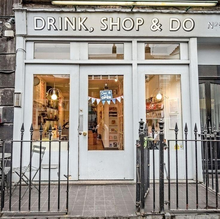 "1,148 Me gusta, 10 comentarios - Lovely Streets (@lovelystreetsofficial) en Instagram: """"Bar by night, café by day, fun things to do"". Así se define esta tienda Drink, Shop & Do…"""
