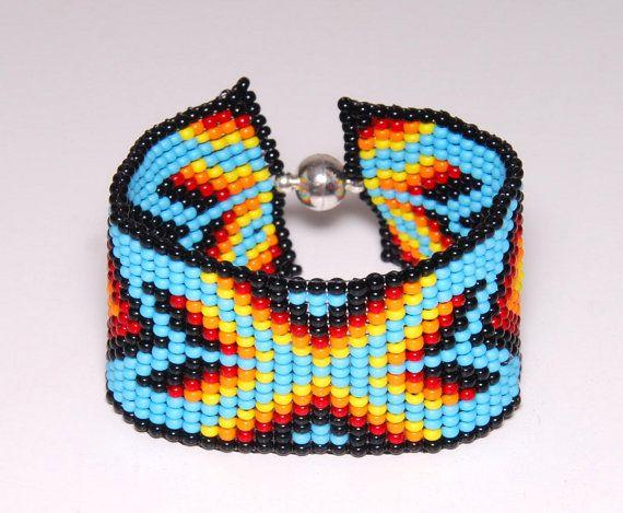 Indiaanse beaded geometrische armband, Loom tribal armband, armband, kleine armband, cadeau voor haar, geometrische sieraden