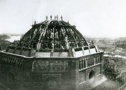 La costruzione della Cupola del Duomo di #Pavia. The Dome building at Pavia.