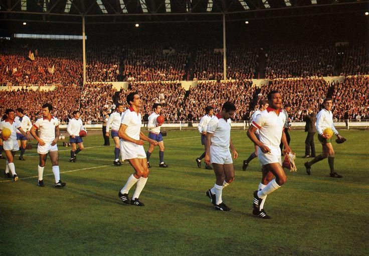 1968-5ª Final da Taça dos Campeões Europeus para o Benfica. Estádio de Wembley, Londres 29 de Maio de 1968. Benfica - Manchester United.