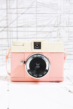 Lomography Mini Diana Evelyn Camera perfectly pink for capturing the festive season.