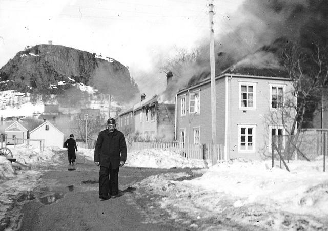 Magnus Iversen i en brannherjet by 1940 by Espen Sandmo, via Flickr
