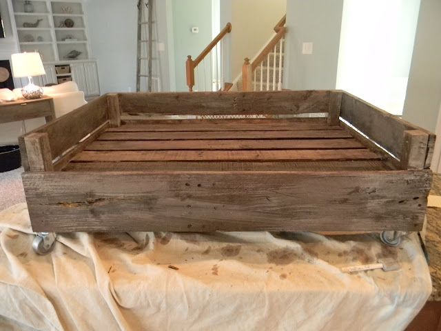 Pallet dog bed- So crazy! I was just thinking about doing this for Skeeter! then i found it on here :)