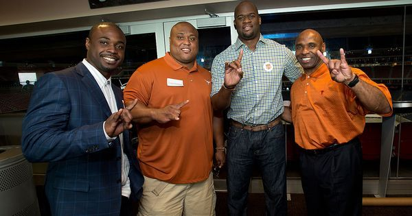 HOUSTON: Former Texas Football RB Selvin Young, DT Casey Hampton ...