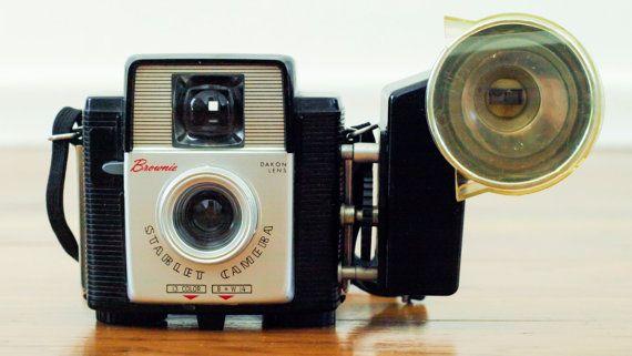 Vintage Kodak Brownie Starlet Film Camera w/ Flash - Retro Point and Shoot Camera