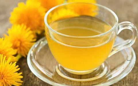 Rinforzare il fegato con metodi naturali: 1. Tarassaco;  2. Curcuma;  3. Carciofo;  4. Acqua e limone;  5. Verdure crocifere;  6. Cardo mariano;  7. Minerali.