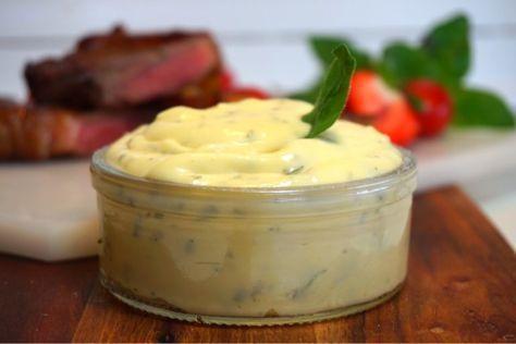 Hemmagjord kall bearnaisesås, en helt fantastisk kall sås som passar väldigt bra till en bit kött eller kyckling. Utmärkt till grillkvällen.