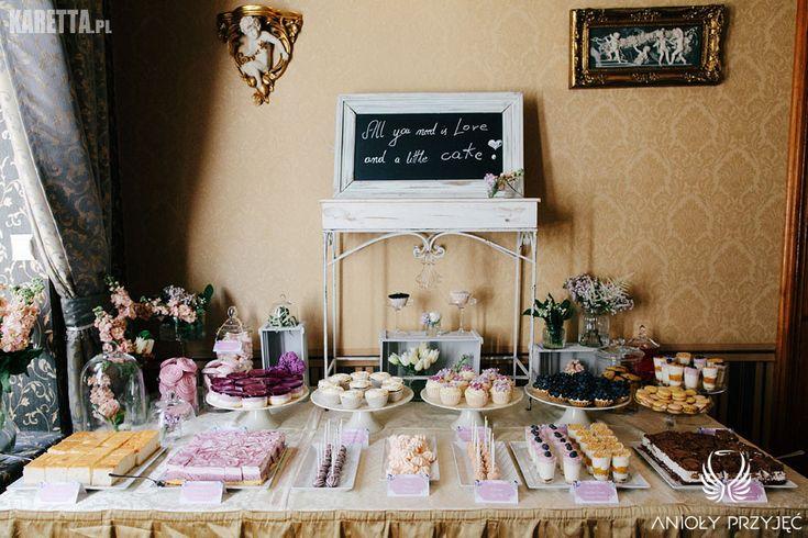 8. Lilac Wedding | Sweet Table | Violet | Blackboard | Wedding sign | Sweetness / Wesele z bzem | Słodki bufet | Fioletowy | Tablica | Znaki weselne | Słodkości | Anioły Przyjęć