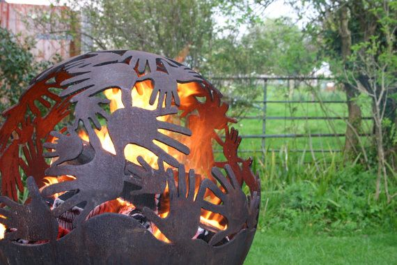 Good looking fire pit.