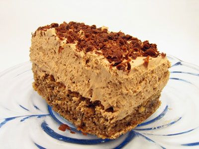 Aveti eveniment in familie si nu stiti ce tort sa faceti? Iata reteta de crema spumoasa pentru umplerea tortului.  Ingrediente -500 ml lapte -500 ml cafea -300 g zahar