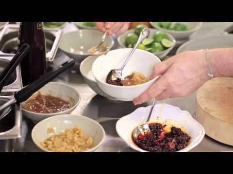 David Thompson Thai Food - Grill Pork Salad - YouTube