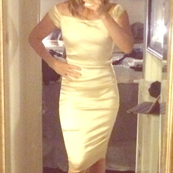 """GORGEOUS champagne cocktail dress Satiny fabric, ruching, champagne-coloured, off the shoulder/boat neck. Absolutely stunning. I usually wear size 6/8 in dresses, but this one is size 10. I'm 5'7"""", 27"""" waist and 38.5"""" hips. Issue Dresses Midi"""