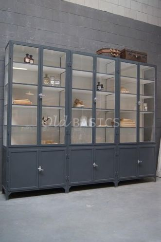 metall doctor's cabinet