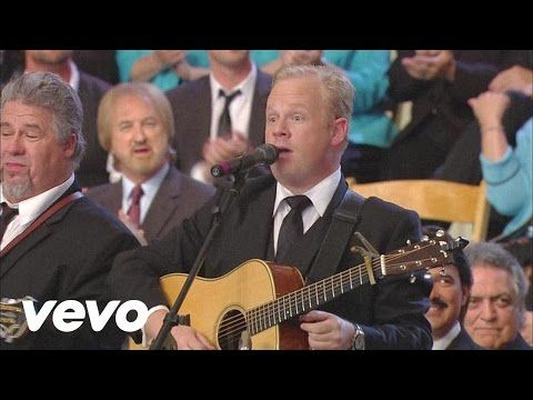 Bill & Gloria Gaither - Daddy Sang Bass [Live] - YouTube