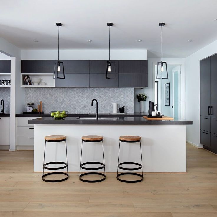 Kitchen Cabinets New York: Best 25+ Two Tone Kitchen Ideas On Pinterest