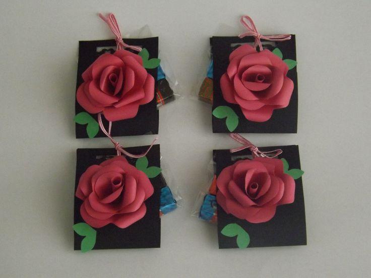 Mais uma arte da Artes da Mô  flores com chocolates!!!  Lembrancinhas deliciosas e lindas!!! facebook.com/artesdamo e no Instagram como Artes da Mô